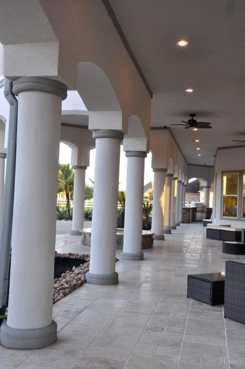 Columned Back Lanai